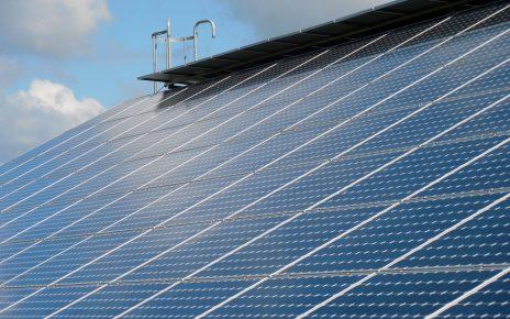 Co zyskamy, montując panele solarne?