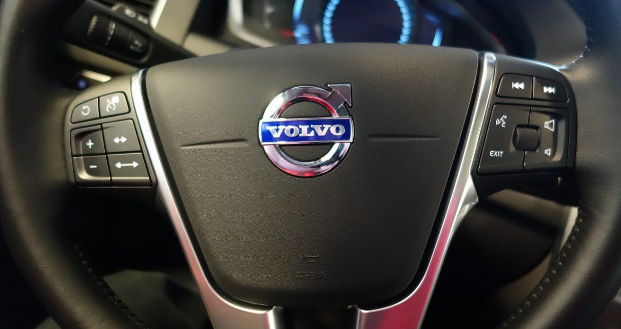 Kupujemy części zamienne do ciężarówki Volvo